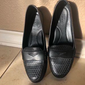 Black BORN loafers 7.5